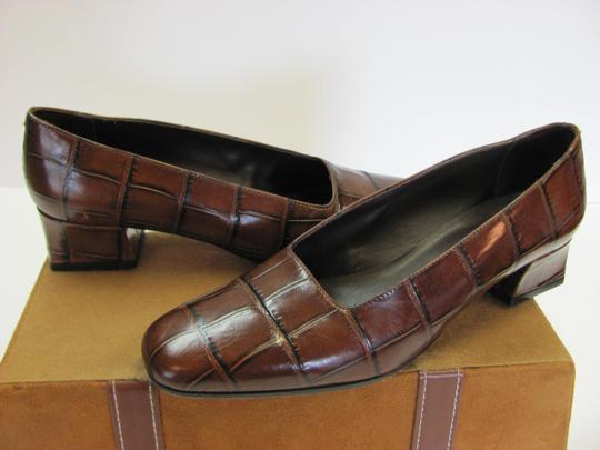 Preload https://img-static.tradesy.com/item/5098147/sesto-meucci-brown-very-good-condition-leather-sole-width-pumps-size-us-9-narrow-aa-n-0-1-540-540.jpg