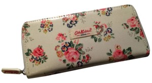 Cath Kidston Cath Kidston - London White with Red Pink Rose Flora Flowers Oil Cloth Printed Zipped Wallet Purse