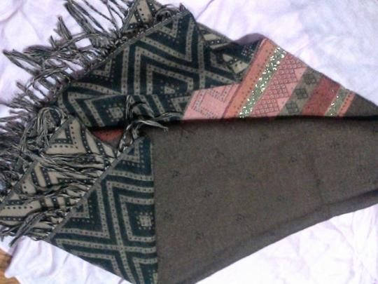 Unknown Rust scarf/wrap