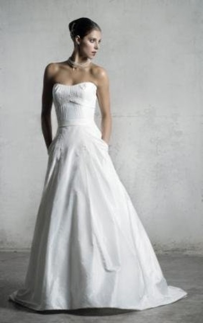 Item - Diamond/Silk White La Fleur 161 Lf161 Modern Wedding Dress Size 4 (S)