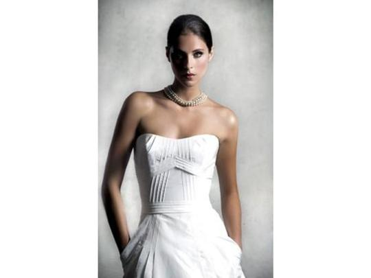 Anne Barge Diamond/Silk White La Fleur 161 Lf161 Modern Wedding Dress Size 4 (S)