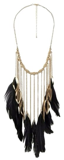 Preload https://item5.tradesy.com/images/forever-21-feather-chain-necklace-5104414-0-0.jpg?width=440&height=440