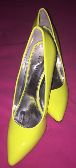 Rampage Neon Citron Pumps