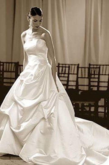 Ulla-Maija Ivory Duchess Satin Whirlwind Formal Wedding Dress Size 4 (S)