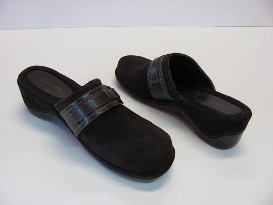 White Mountain Excellent Condition Leather Size 9.00 New Mules