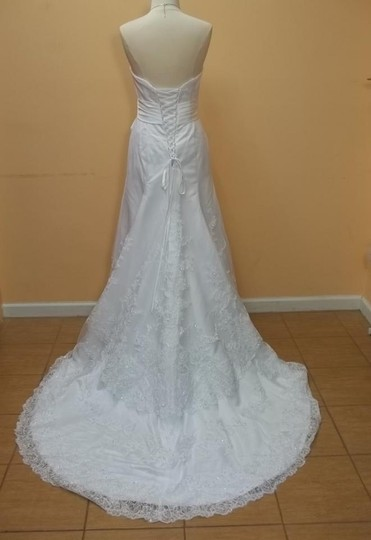 Impression Bridal Diamond White Lace 10026 Formal Wedding Dress Size 8 (M)