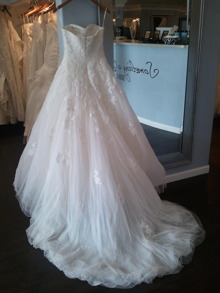Pronovias Off-white Lace and Tulle Skirt Alcanar Traditional Wedding ...