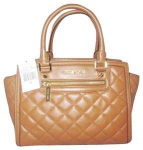 Michael Kors Satchel in Brown ( Walnut )