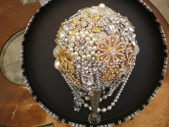 Pearl Brooch Bouquet Gold Pearl Brooch Bouquet Contessa Brooch Bouquet Pearl Crystal Brooch Wedding Bouquet Pearl Brooch