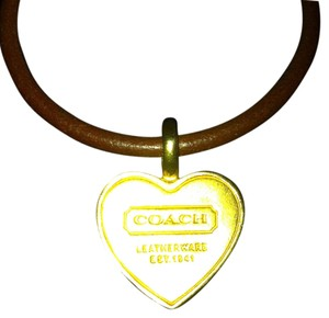 Coach Coach Authentic Brown Genuine Leather Gold Tone Heart Charm Bracelet That Clips Great Condition Retail $68