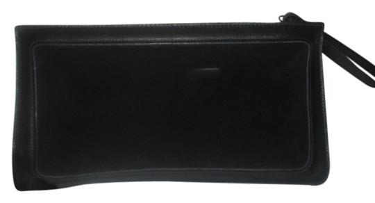 Preload https://img-static.tradesy.com/item/5111098/anne-klein-black-suede-and-leather-clutch-0-0-540-540.jpg