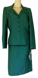 Jones Wear New JONES WEAR New York Green Silky Career Skirt Suit 12