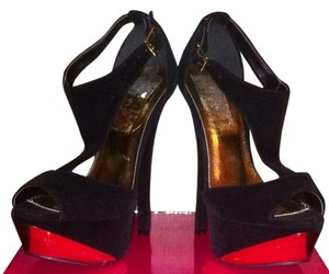 Qupid Black Velvet Pumps