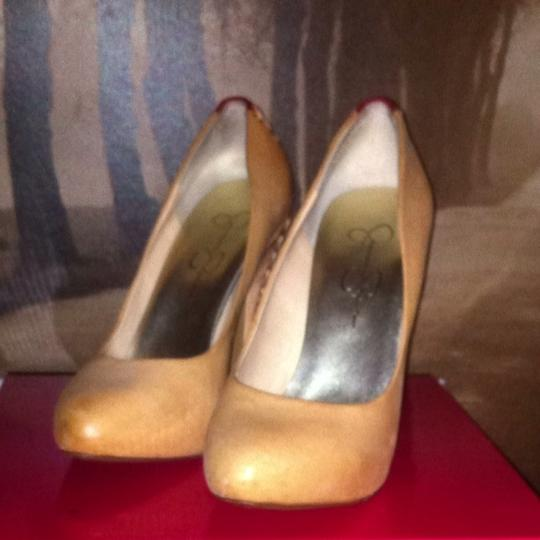 Jessica Simpson Camel Pumps