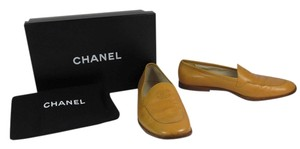 Chanel Cc Logo Leather Caramel Brown Flats