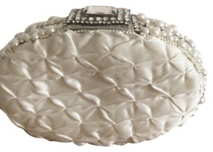 Bridal & Company White Clutch