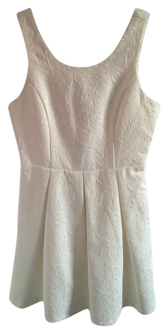 Preload https://item1.tradesy.com/images/forever-21-cream-contemporary-mini-night-out-dress-size-0-xs-5114890-0-0.jpg?width=400&height=650