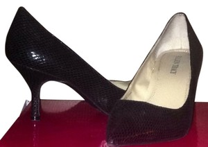 Ellen Tracy Black Snakeskin Pumps