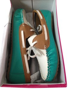 Rasolli White and Teal Flats