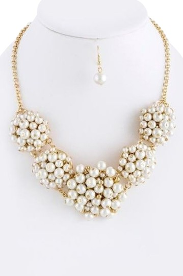 Other Retro Inspired Gold and Cream Pearl Cluster Necklace Set