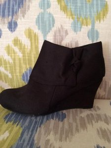 Traffic People Suede 10 Wedge New Black Boots
