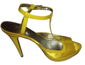 Report Signature Yellow Platforms