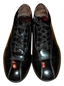 Tod's Leather Black Flats