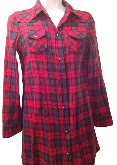 Preload https://item5.tradesy.com/images/red-plaid-stretch-button-down-western-xs-long-sleeve-cotton-blend-tunic-size-2-xs-5118649-0-0.jpg?width=400&height=650