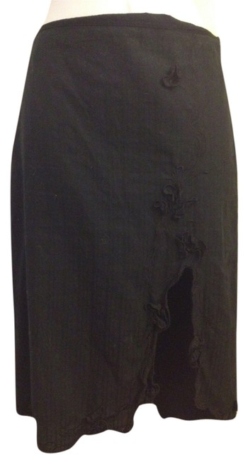 Preload https://item1.tradesy.com/images/ax-armani-exchange-black-cotton-pencil-high-slit-embroidered-knee-length-skirt-size-2-xs-26-5118925-0-0.jpg?width=400&height=650
