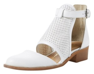 House of Harlow 1960 White Boots
