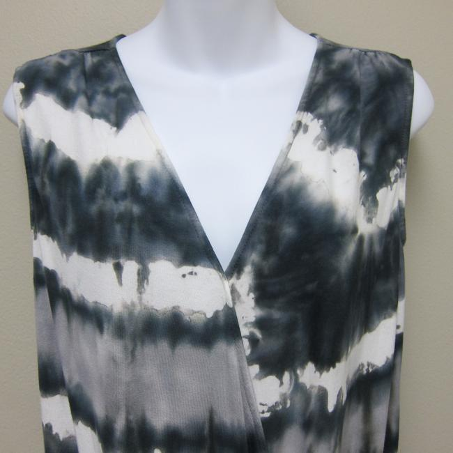 Red Haute Top Gray and White