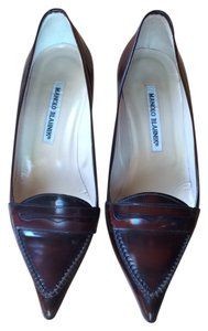 Manolo Blahnik Bordeaux Pumps