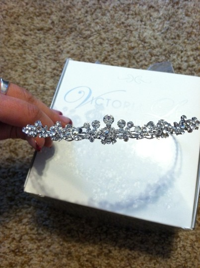 / Victoria Lee By Maggie Sottero New In Box Tiara