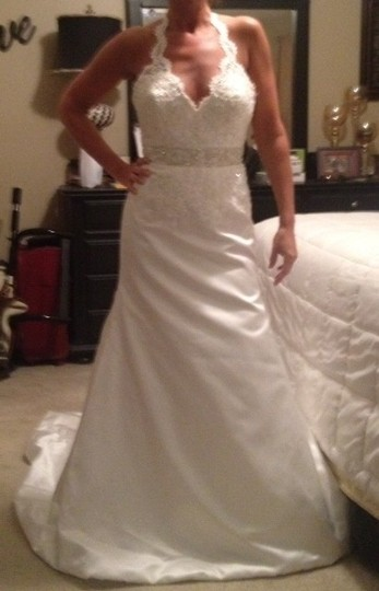 Diamond/Silk White Lace Beaded Halter Feminine Wedding Dress Size 6 (S)