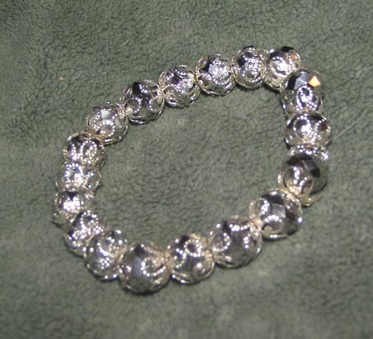 Preload https://item5.tradesy.com/images/unknown-dazzling-crystal-stretch-bracelet-free-shipping-5122714-0-0.jpg?width=440&height=440