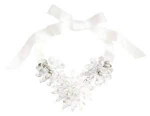 H&M BNWT H&M Flower Necklace