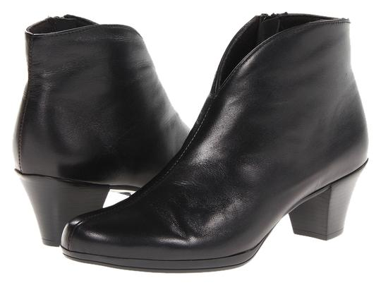 Preload https://item2.tradesy.com/images/munro-american-black-robyn-leather-bootsbooties-size-us-65-regular-m-b-5124556-0-0.jpg?width=440&height=440