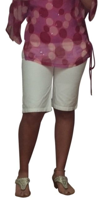 Preload https://img-static.tradesy.com/item/5125525/abercrombie-and-fitch-white-bermuda-shorts-size-10-m-31-0-0-650-650.jpg