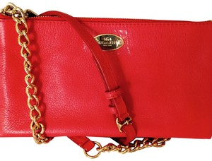 Coach Adjustable Strap Pebbled Leather Gold Tone Chain Outsdide Slit Pocket Cross Body Bag