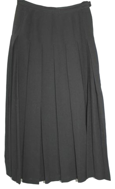 Preload https://item3.tradesy.com/images/guy-laroche-black-pleated-36-made-in-france-maxi-skirt-size-6-s-28-5129707-0-0.jpg?width=400&height=650