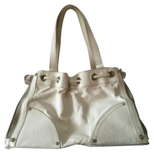 Preload https://item2.tradesy.com/images/mulberry-white-leather-satchel-5130136-0-0.jpg?width=440&height=440