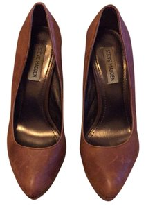 Steve Madden Brown leather Pumps