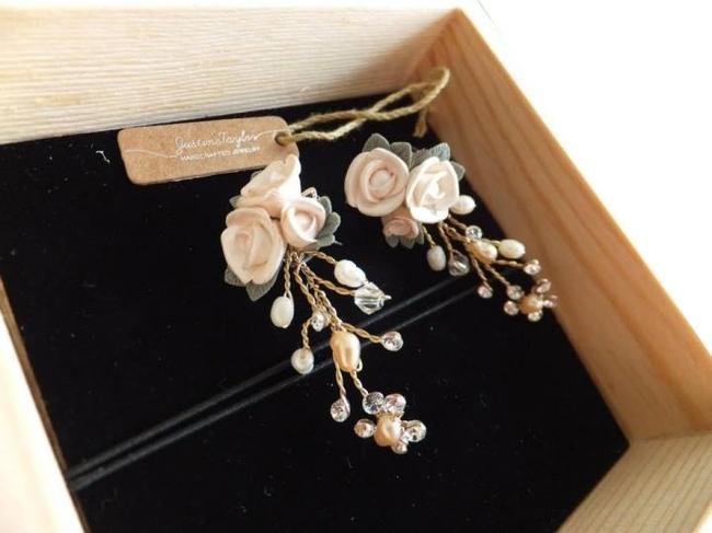 Item - Rose Gold & Crystal Damasco Earrings