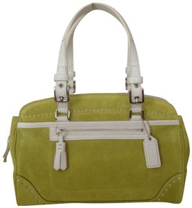 Coach Satchel in Light green (Pear)