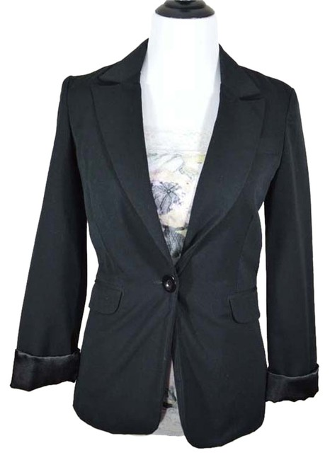 Preload https://item1.tradesy.com/images/maurices-black-one-button-suit-lined-jacket-blazer-size-6-s-5130805-0-0.jpg?width=400&height=650