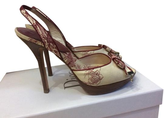 Preload https://item5.tradesy.com/images/dior-white-red-sandals-size-us-6-5131939-0-0.jpg?width=440&height=440