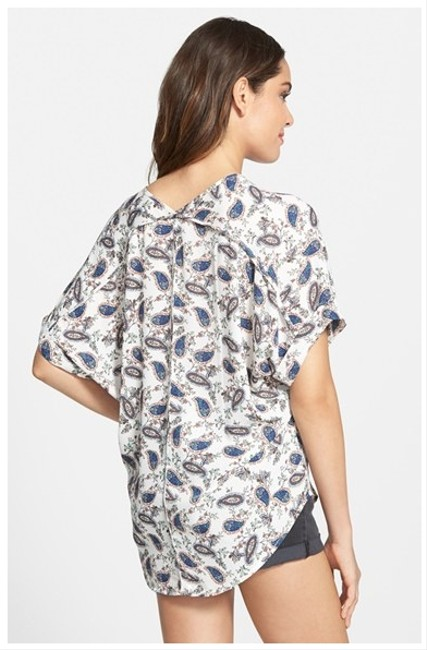 Lush Shirt Flowy Loose Trendy Casual Top Paisly Print (Blues on White)