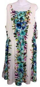 PAPER DOLL short dress White floral print on Tradesy