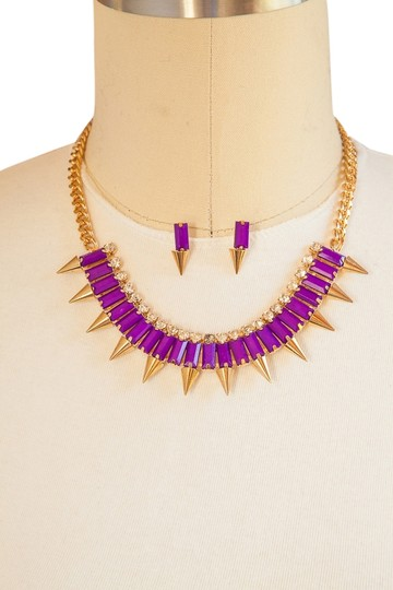 Preload https://item1.tradesy.com/images/other-purple-brand-new-spike-baguette-bead-necklace-set-gold-chain-5133475-0-0.jpg?width=440&height=440