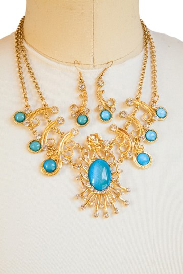 Other Elegant Vintage Design Necklace Set!